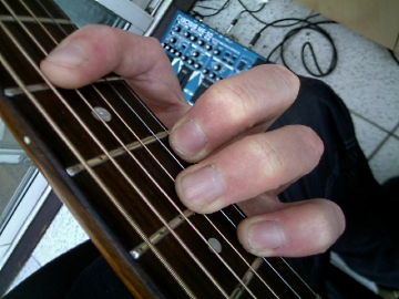 photo of major D shape chord